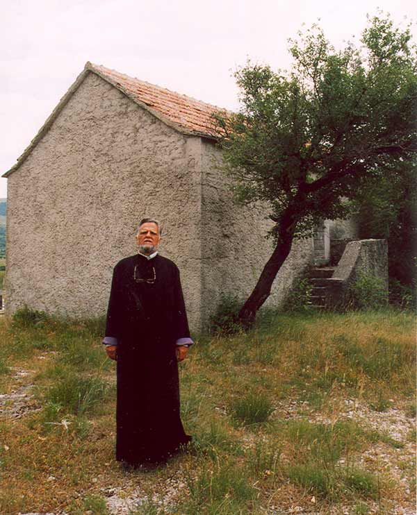Stikovo_parohijski_dom.jpg