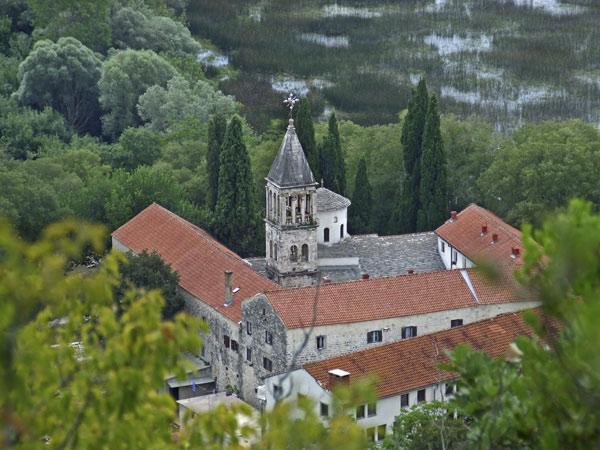 Манастир Крка је за све време свога постојања био најзначајнији духовни и културни центар православља у Далмацији